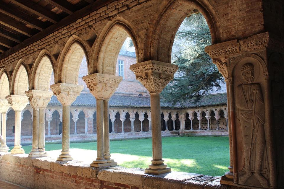 cloister-2154637_960_720